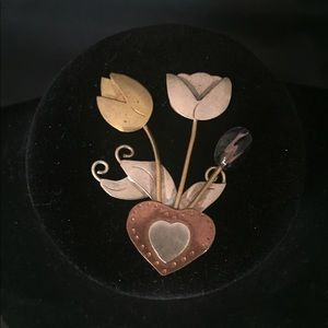 Vintage 🌸 Flower Pin / Brooch